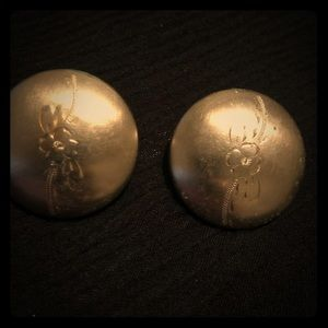 Vintage gold tone etched button clip on earrings
